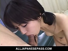 Japanese teen has her trimmed pussy toyed