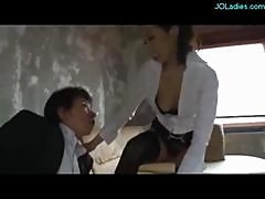 Hot Secretary Giving Handjob Licked In 69 Cum To..