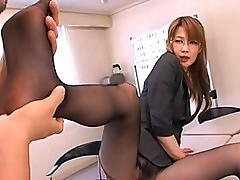 Erika Kirihara?s sexy legs have cute stockings on them