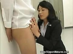 Mautre Milf Teacher Asian Gives Head