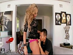 AMWF claudia valentine has sex with asian guy