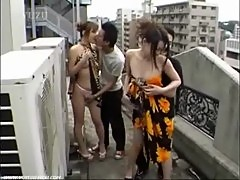 Japanese babes gets banged