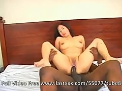 Thai chick takes a bbc
